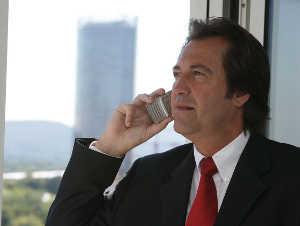 Telefonmarketing bietet die Chance, direkt am Telefon ein Geschäft abzuschließen